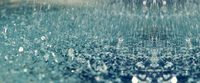 下雨天水滴背景