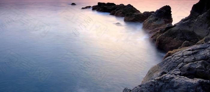 大海礁石唯美梦幻清新背景图