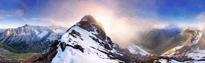 雪山夕阳海报背景